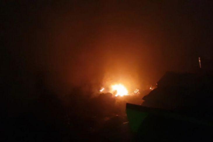 Gudang Distan Kayong Utara terbakar