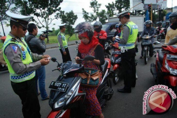 Satlantas Polres Singkawang gelar pemeriksaan kendaraan secara rutin