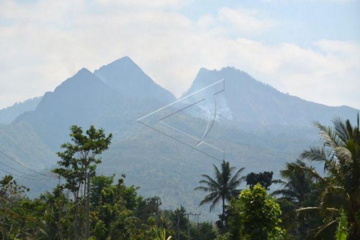 Bupati Paolus ingatkan warga jaga hutan adat