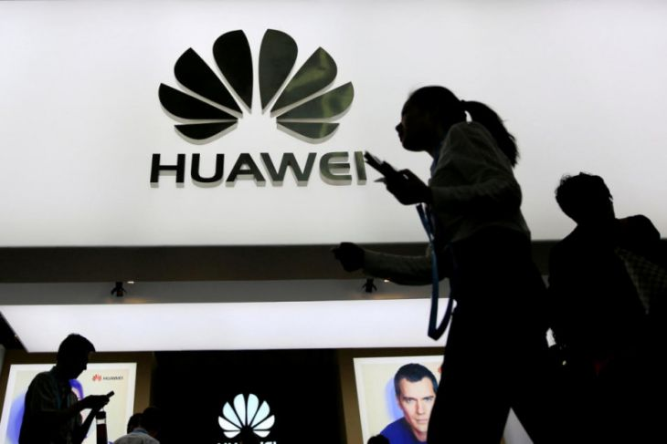 Smartphone Huawei layar lipat dapat gantikan komputer?