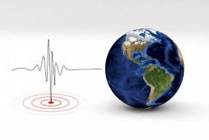 Gempa bumi 6,4 SR tewaskan tiga orang di Jatim