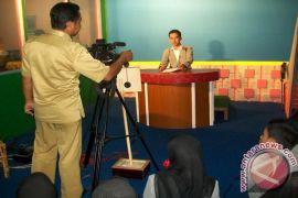 Tunda Raperda penataan lembaga penyiaran TV melalui kabel