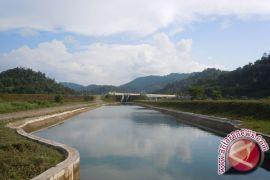 Pembersihan Irigasi Atasi Kurangnya Pasokan Air Pertanian