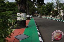Trotoar A Yani Banjarmasin dibangun minimalis