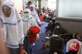 Penumpang Berangkat  Bandara Kalsel Naik