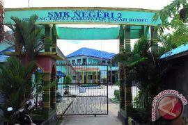 SMKN 2 Simpang Empat Juara Lomba Debad
