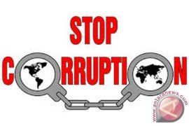 Kajari Banjarbaru Bagikan Stiker Anti Korupsi