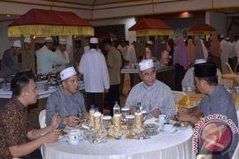 Pemkab HSS Gelar Shalat Hajat dan Sahur Bersama