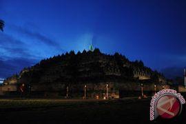 Pangunjung Candi Borobudur Meningkat Pada Libur Natal