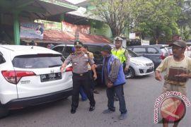 Polisi Ingatkan Juru Parkir Jangan Ganggu Arus