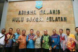 Advetorial - Bupati HSS Bangunkan Asrama Malaris Malang