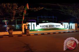 Perkantoran di Tapin Dihiasi Lampu Warna Warni