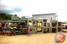 Tumpukan Material Kementerian PUPR Dikeluhkan  Warga