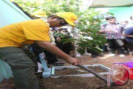 Gubernur Mendapatkan Penghargaan Tokoh Peduli Lingkungan