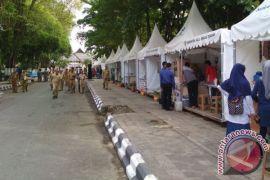 Pedagang Kaki Lima Mendapat Fasilitas Tenda
