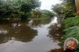 Kapolsek CLU Himbau Warga Agar Waspada Banjir