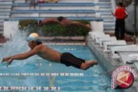 Perenang Paralympic Tabalong Borong Tiga Medali Emas