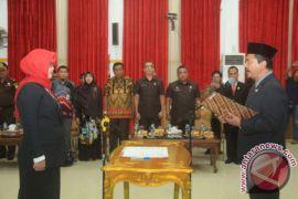 Sekretaris Komisi Pemilihan Umum Banjarbaru Dilantik