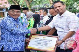 Pemkab HSS Berikan Penghargaan Kepada PT SAM