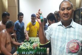 Police Bust Thugs and Confiscate Hundreds Bottle Alcohol