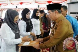 1.063 Tenaga Pendidik dan Kependidikan HSS Terima SK
