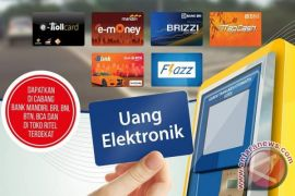 Syamsudin Noor Applies E-money for Parking Payment