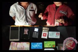 Timsus bekantan Tangkap Dua Pengedar Transaksi 15 Ekstasi