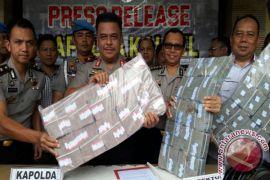 Polisi Baru Temukan Barang Bukti Uang Rp4.390.000.000