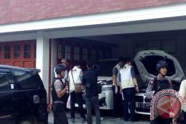 KPK Brings Regent HST's Luxury Cars and Bike to Jakarta