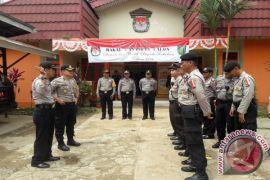 Polisi Jaga Kantor KPU Tabalong