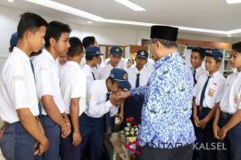36 Siswa SMP HSS Diajak Sehari Bersama Bupati