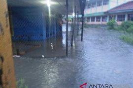 Hujan Deras Sejumlah Wilayah Balangan Tergenang