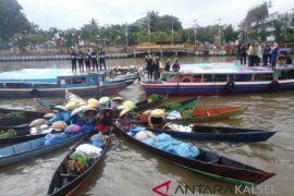 Pemprov Kalsel Kampanye Antirokok Di Sungai