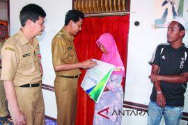 Bupati Serahkan Bantuan PKH Ke Kecamatan Takisung