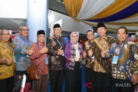 Pimpin FRI, Dwia Dan Sutarto Resmi Bekerja