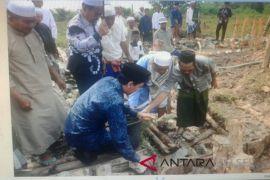 Peletakan Batu Pertama Pembangunan Ponpes Nurul Yaqin