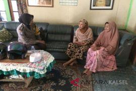 Polwan Bhabinkamtibmas Sambangi Rumah Warga