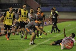 Borneo Latihan Perdana Di Stadion Segiri