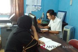 Pencari Kerja Perempuan HSS Dominasi Pembuatan Kartu Kuning