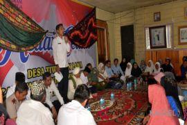 Wabup Serahkan Bantuan PKH Kecamatan Aranio