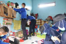Satgas Kamtib Razia Lapas Karang Intan