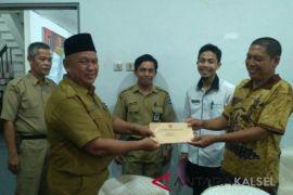 Pemkab HSS Salurkan Bantuan Korban Bencana Alam