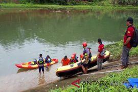 Kelompok Ekowisata Kinarum Tabalong Terima Bantuan Perahu