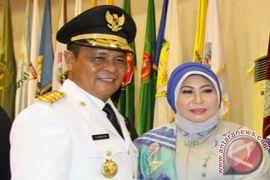 Gubernur Beri Hadiah Umrah Lulusan Terbaik IAI