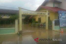 Puluhan Sekolah Diliburkan Akibat Banjir