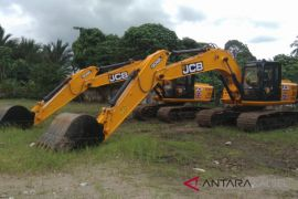 HST dapat lima excavator untuk dukung program pertanian