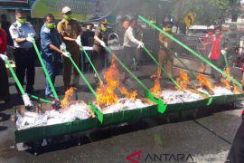 Kotabaru prosecutors destroys 203,065 drugs