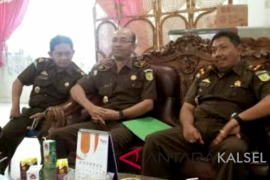 Banjarmasin pursue two fugitives