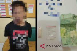Pengendara CBR tertangkap basah transaksi narkoba di Hantakan