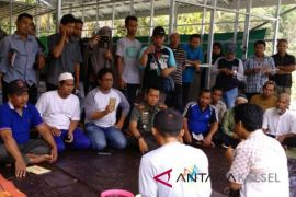 70 orang peternak HSS ikuti sosialisasi pembuatan pakan